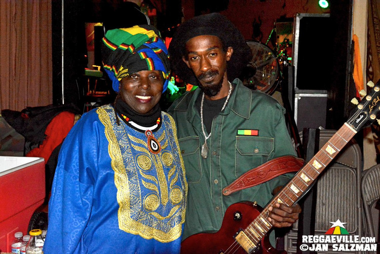 Akae Beka Band, Army, Spiritual, Ky-Enie