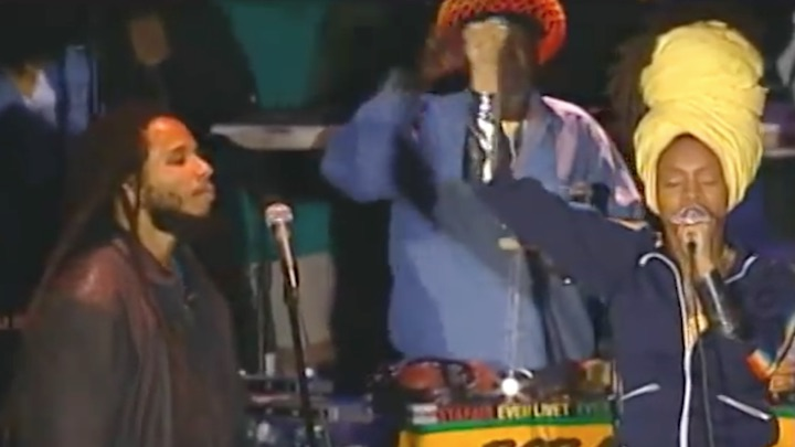 Erykah Badu with Ziggy Marley & the Melody Makers - No More Trouble [2/12/2000]