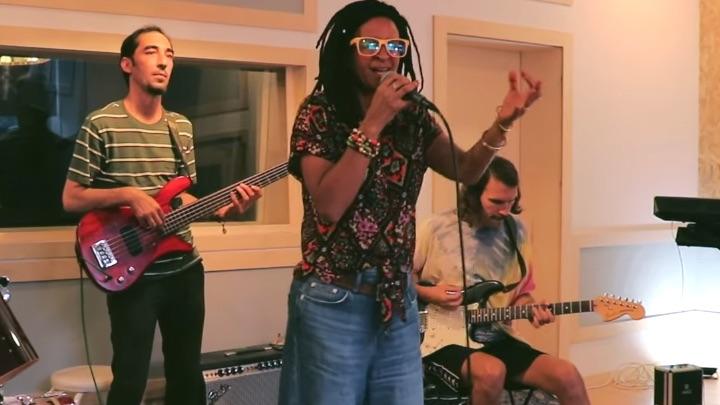 Zoe Mazah - Woman Tonight (Live Session) [9/19/2021]
