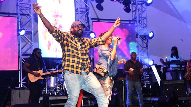 Tarrus Riley & Friends in Kingston, Jamaica @Emancipation Park [12/21/2017]