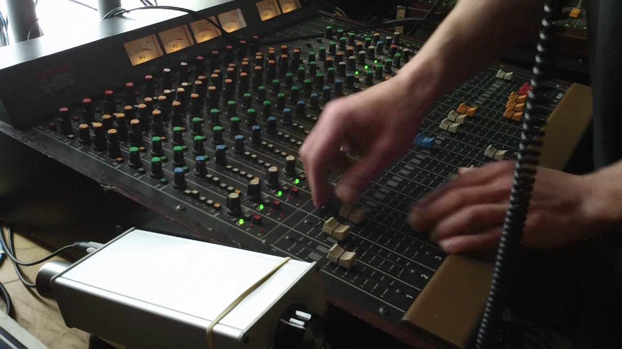 M.L.K. & The Breadwinners - Take A Good Look/Take A Good Dub (Youplate Version) [7/21/2017]
