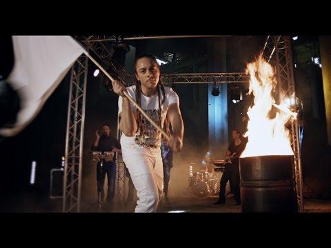 Junior Tshaka feat. Mary N'Diaye et Awadi - La Limite [7/1/2016]