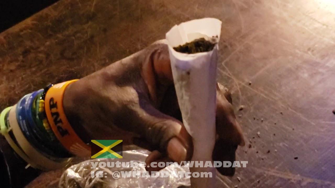 Rolling a Super Spliff in Jamaica @ WHADDAT [8/16/2019]