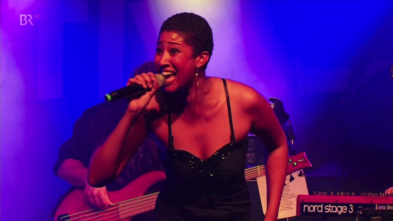 Awa Fall & The Smoke Orchestra - Dentro di me @ Africa Festival 2019 [6/2/2019]