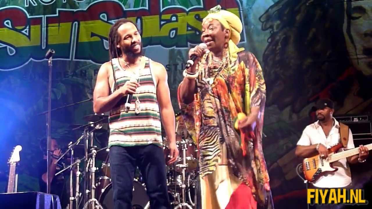 Rita Marley & Ziggy Marley - One Love/People Get Ready @ Rototom Sunsplash 2011 [8/25/2011]