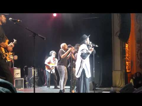 Lauryn Hill & The Wailers - Is This Love in New York, NY, USA [11/29/2014]