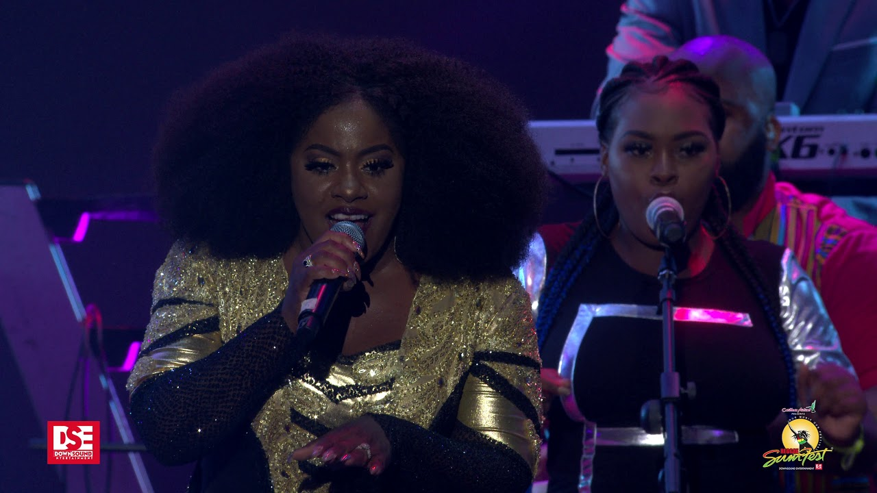 Etana - Blessing & 6 Mins : 21 Secs @Reggae Sumfest 2019 [7/20/2019]