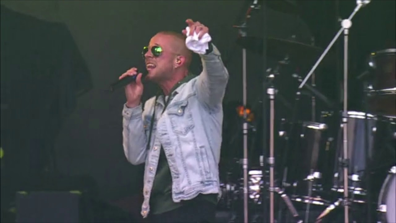 Collie Buddz buys 1,000 boxes of pizza for his fans @ California Roots Festival 2019 [5/26/2019]