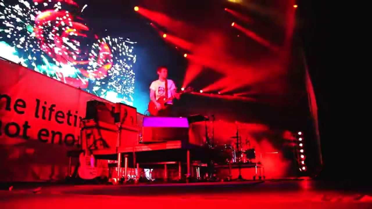 Bomba Estereo - Fuego @ Jamming Festival 2014 [6/1/2014]